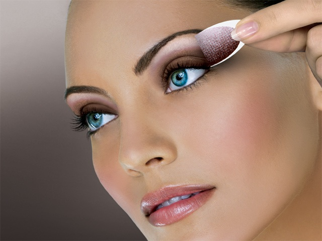 el1 Get a Magnificent & Catchy Eye Make-up Following These 6 Easy Steps