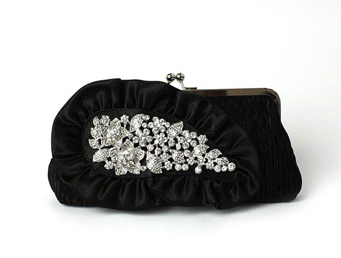 embroided-black-clutch 50 Fabulous & Elegant Evening Handbags and Purses
