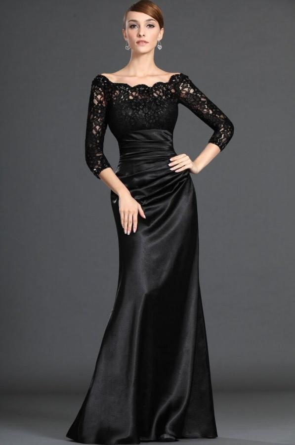 Вечернее платье с рукавами из кружева