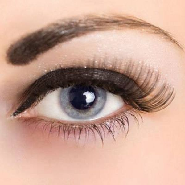 eye-make-up Get a Magnificent & Catchy Eye Make-up Following These 6 Easy Steps