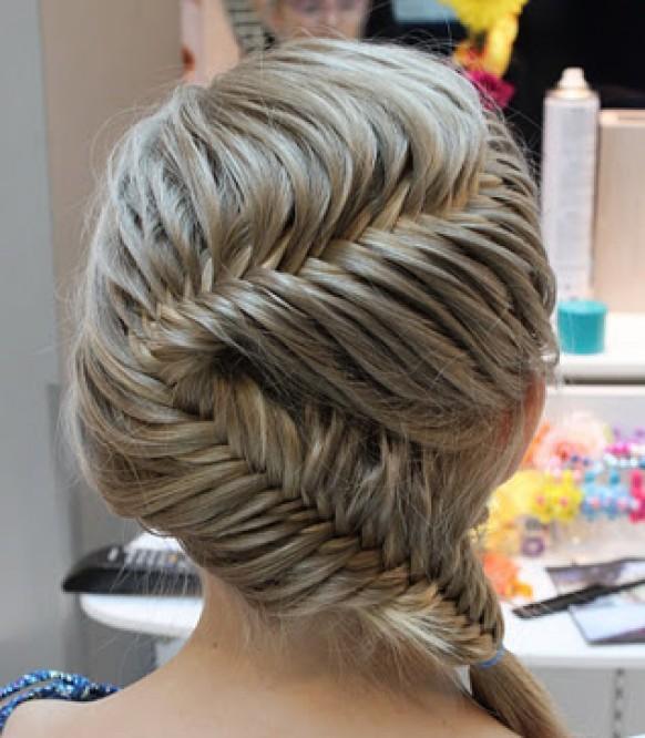 fish-tail-braid-wedding-hairstyles-gorgeous-german-braid-wedding-hairstyles-alman-orgusu-sac-modelleri-gelinler-icin-farkli-balik-sirti-orgulu-sac-modelleri 50 Dazzling & Fabulous Bridal Hairstyles for Your Wedding