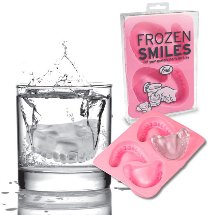 frozen-smiles-dentures-ice-cube-tray-1 15 Fascinating & Unusual Christmas Presents
