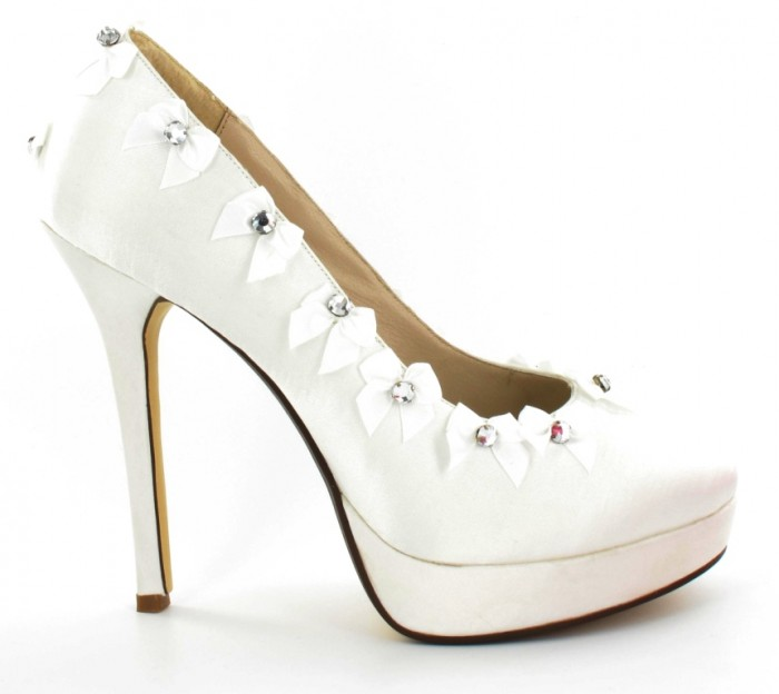 gina_bridal_shoes_01 A Breathtaking Collection of White Bridal Shoes for Your Wedding Day