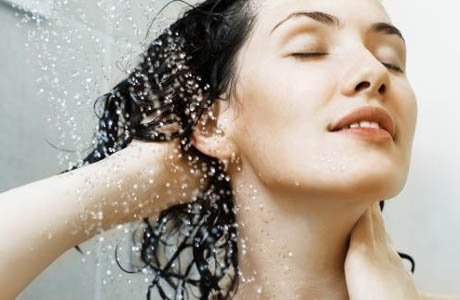 hair2 Learn how to prevent and treat your hair dandruff