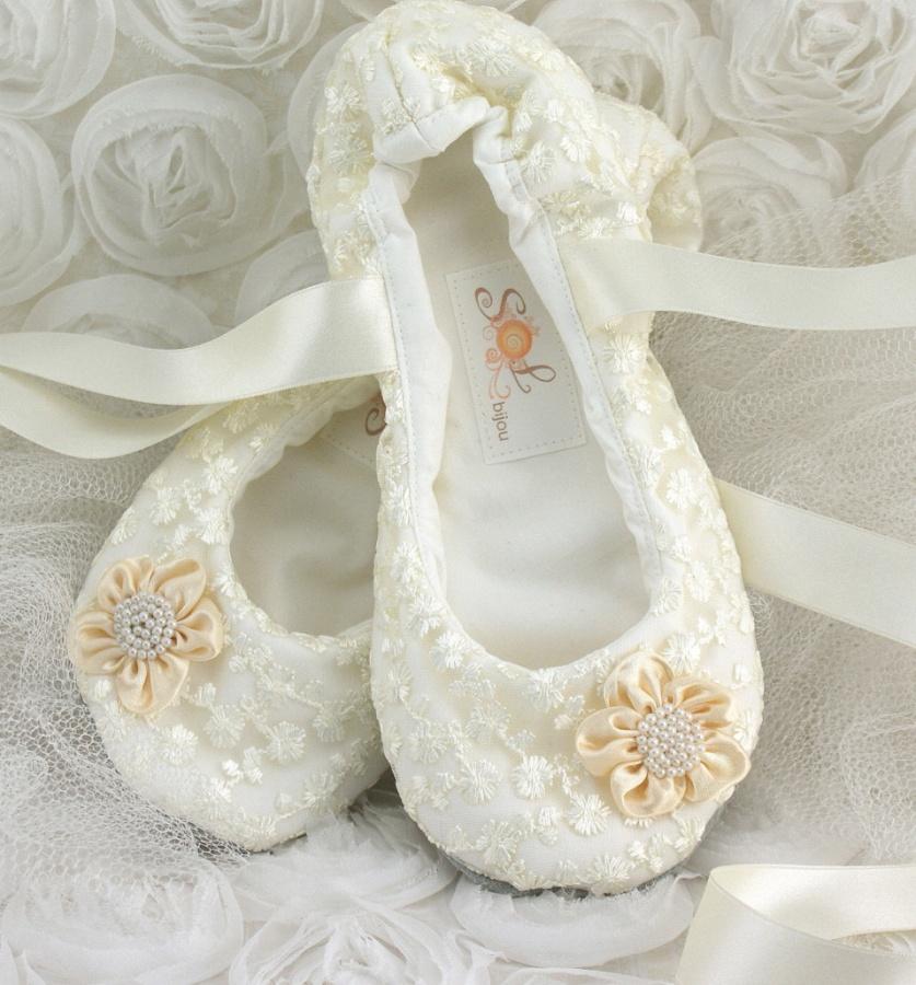 handmade-custom-bridal-shoes 10 Stunning & Fascinating Homemade Xmas Gifts