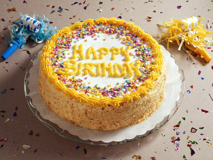 happy-birth-day-wallpaers 60 Mouth-Watering & Stunning Happy Birthday Cakes for You