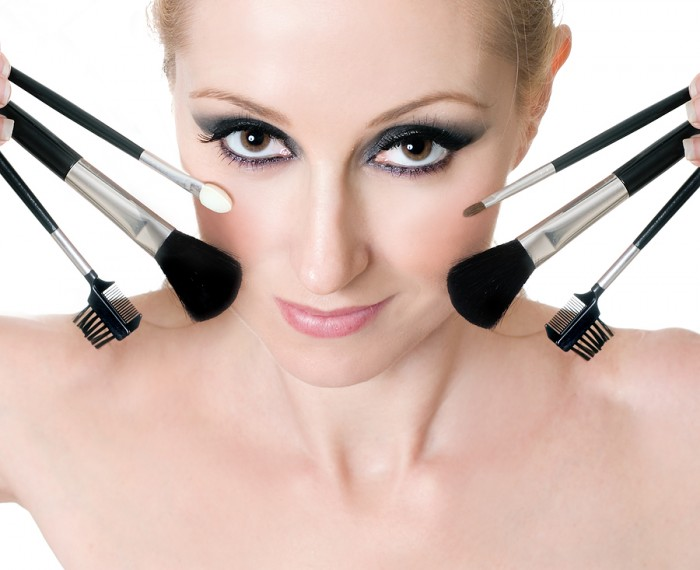 how-to-apply-eye-makeup Get a Magnificent & Catchy Eye Make-up Following These 6 Easy Steps