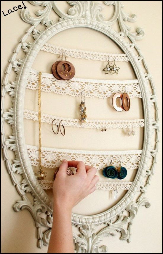 jewelryframe2 10 Catchy Gift Ideas for Twins