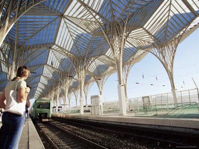 levy-yadid-the-modern-oriente-railway-station-designed-by-santiago-calatrava-lisbon-portugal 12 Of The Most Modernist Railway Stations In The World