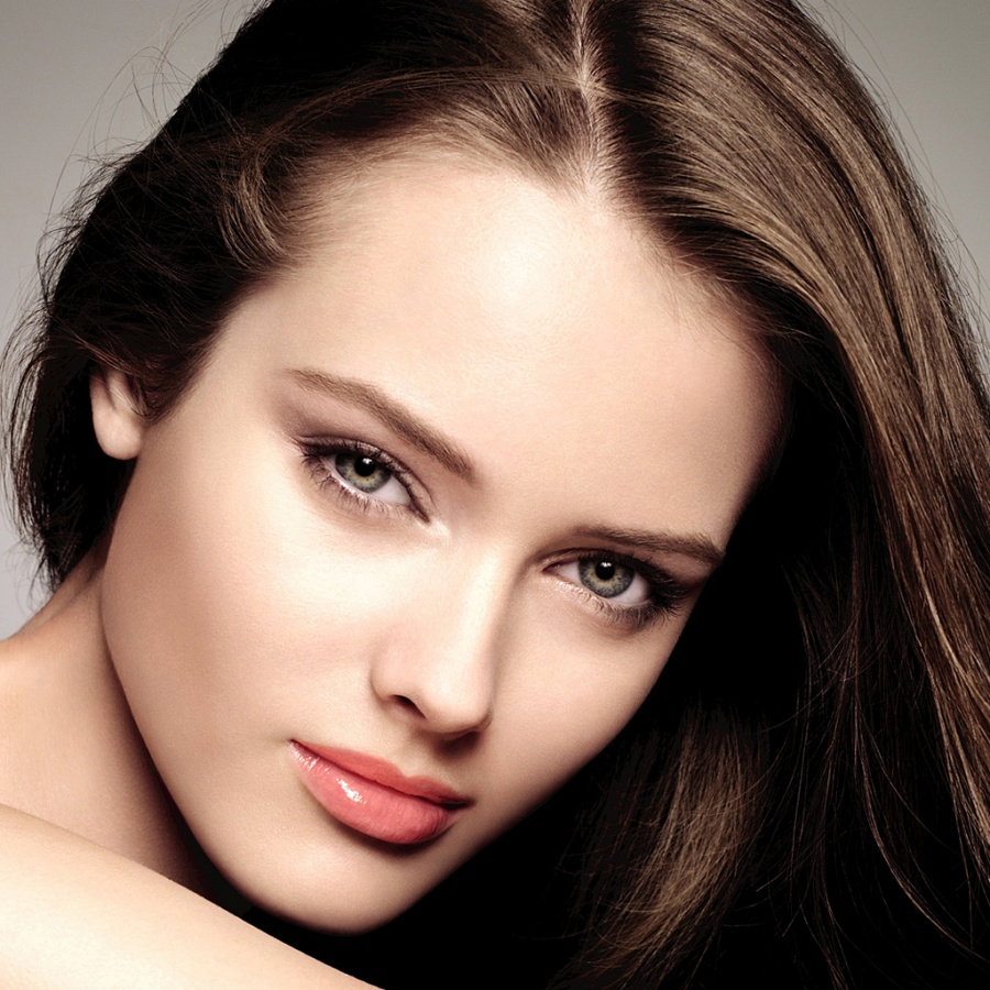 make-up_beautiful_face_146_landing_fashion Follow These 5 Easy Steps to Apply Foundation and Powder on Your Own