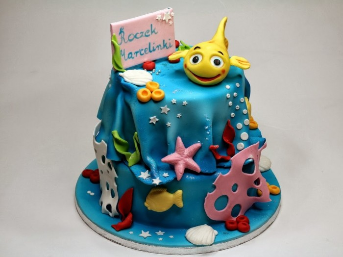 mini-mini-fish-birthday-cake 60 Mouth-Watering & Stunning Happy Birthday Cakes for You