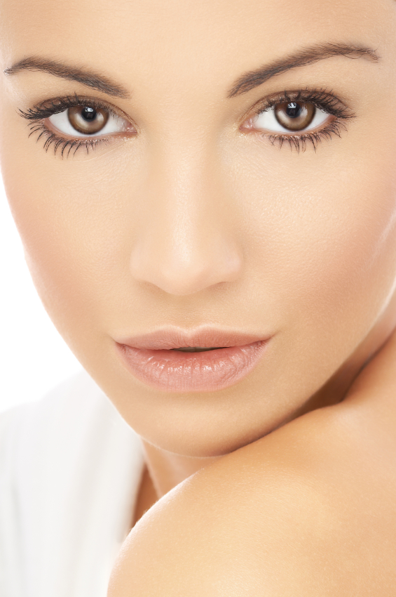 modelface Follow These 5 Easy Steps to Apply Foundation and Powder on Your Own