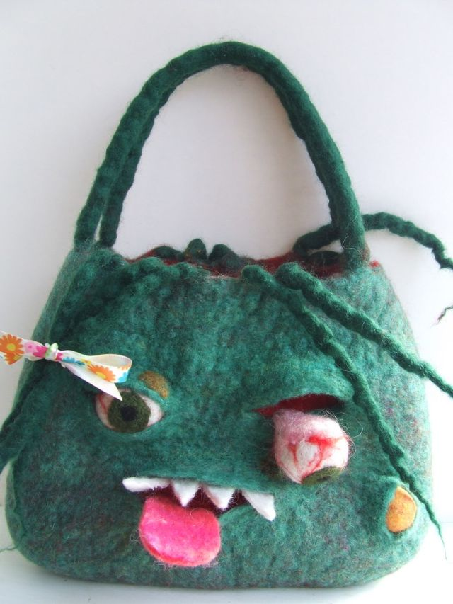 monster_bags_01 35 Weird & Funny Gifts for Women