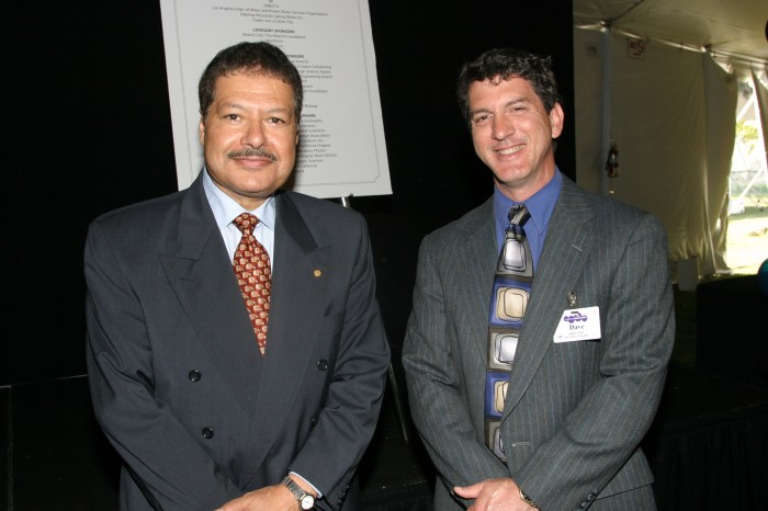 p002_ The Egyptian Scientist Ahmed Zewail Has A Cancerous Tumor In The Spinal Cord.