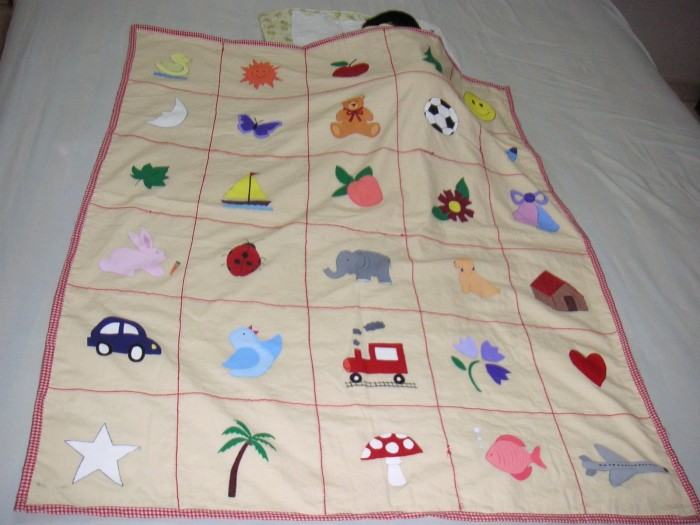 paintedBlankets 10 Stunning & Fascinating Homemade Xmas Gifts