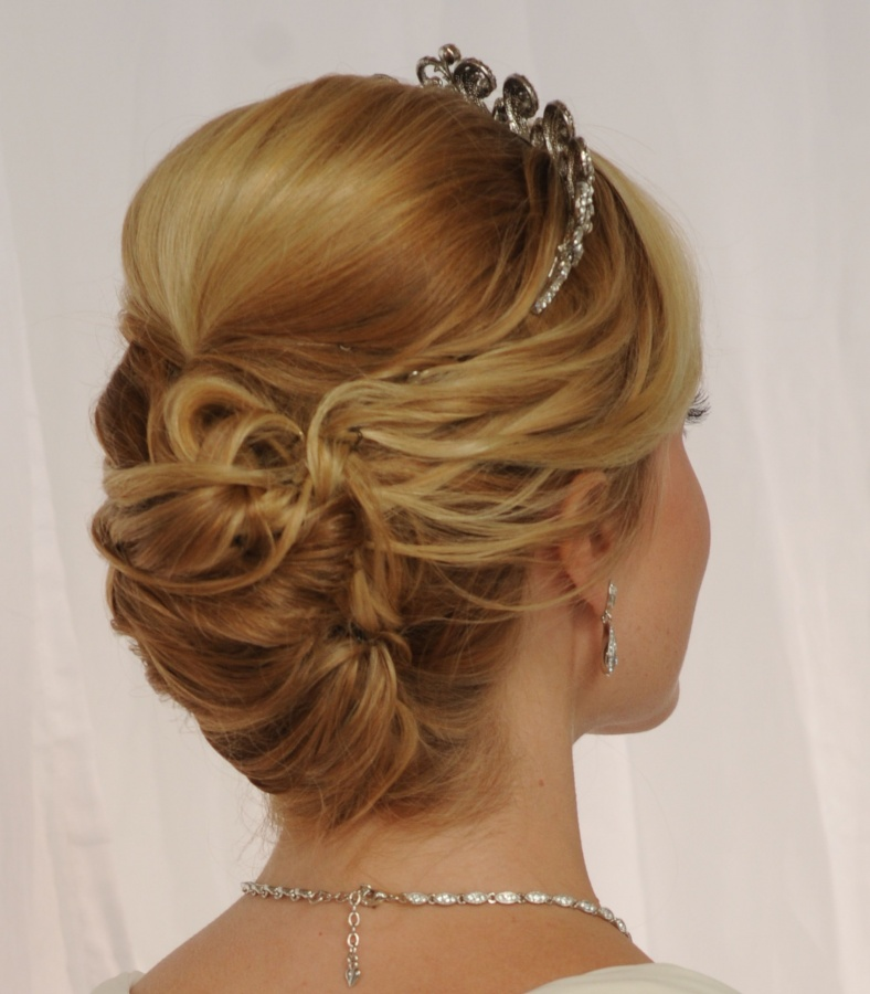 regals 50 Dazzling & Fabulous Bridal Hairstyles for Your Wedding