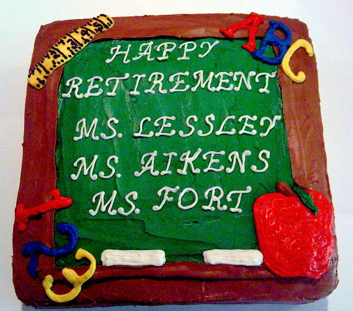 retirement-cake 10 Retirement Gift Ideas for Women