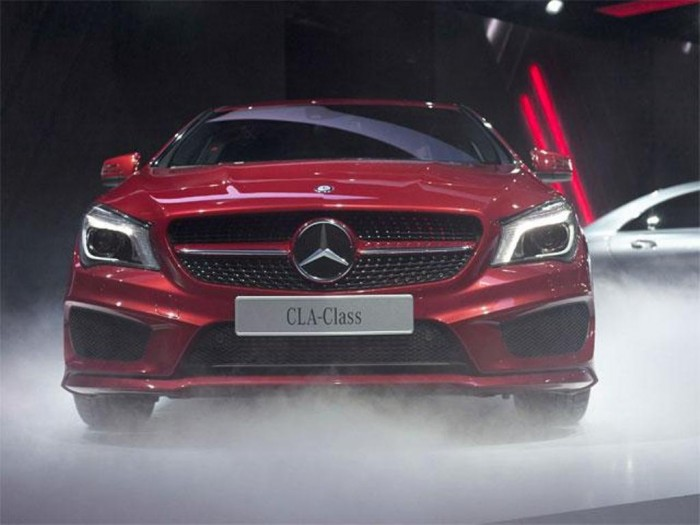 the-new-2014-mercedes-benz-cla-sedan-unveiled-in-detroit Discover the New Mercedes Benz CLA-Class