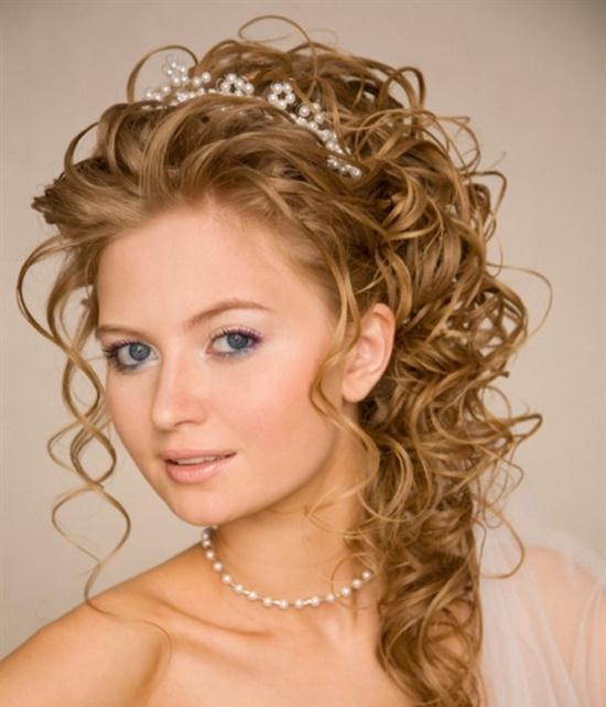 wedding-hairstyles-for-curly-hair-1 50 Dazzling & Fabulous Bridal Hairstyles for Your Wedding