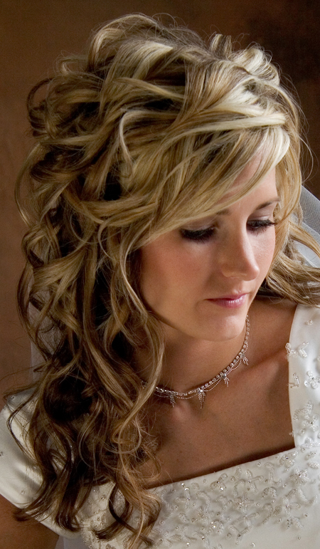 wedding-hairstyles-for-curly-hair 50 Dazzling & Fabulous Bridal Hairstyles for Your Wedding