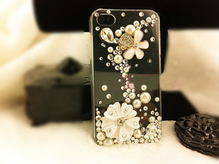 wholesale-phone-case-iphone4s 50 Fascinating & Luxury Diamond Mobile Covers for Your Mobile
