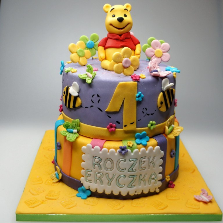 winnie-pooh-cake-london 60 Mouth-Watering & Stunning Happy Birthday Cakes for You