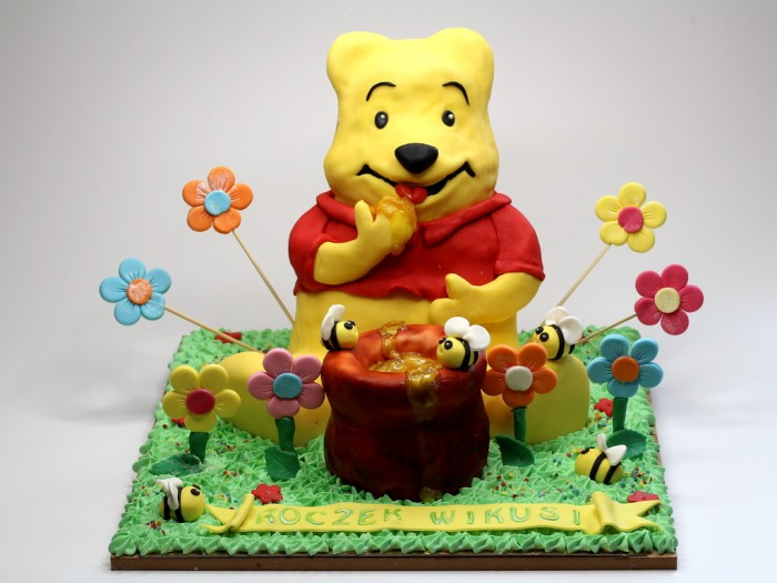 winnie-the-pooh-3D-cake-london 60 Mouth-Watering & Stunning Happy Birthday Cakes for You