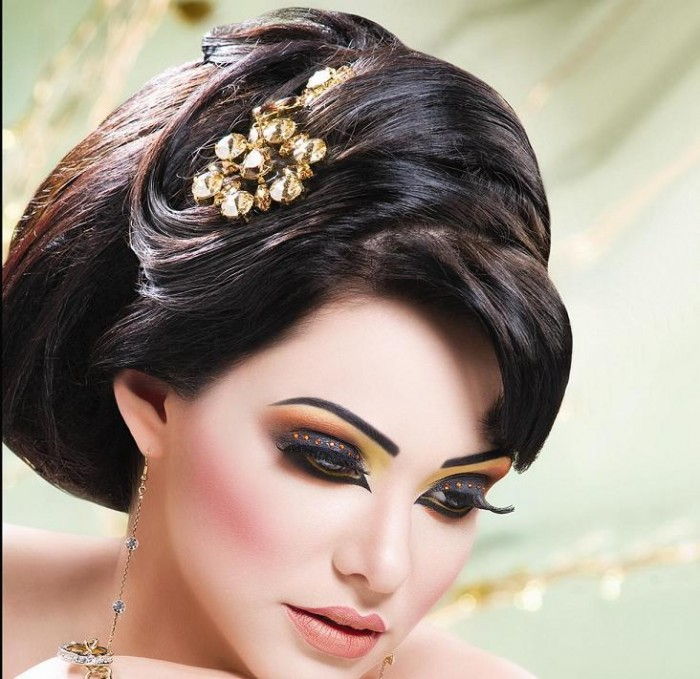 www.7hob.com1369015474396 Get a Magnificent & Catchy Eye Make-up Following These 6 Easy Steps