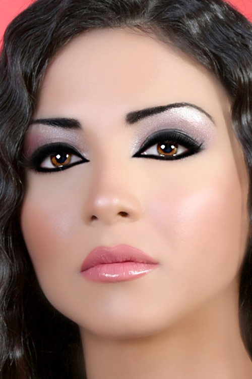www.7hob.com13690154745612 Get a Magnificent & Catchy Eye Make-up Following These 6 Easy Steps
