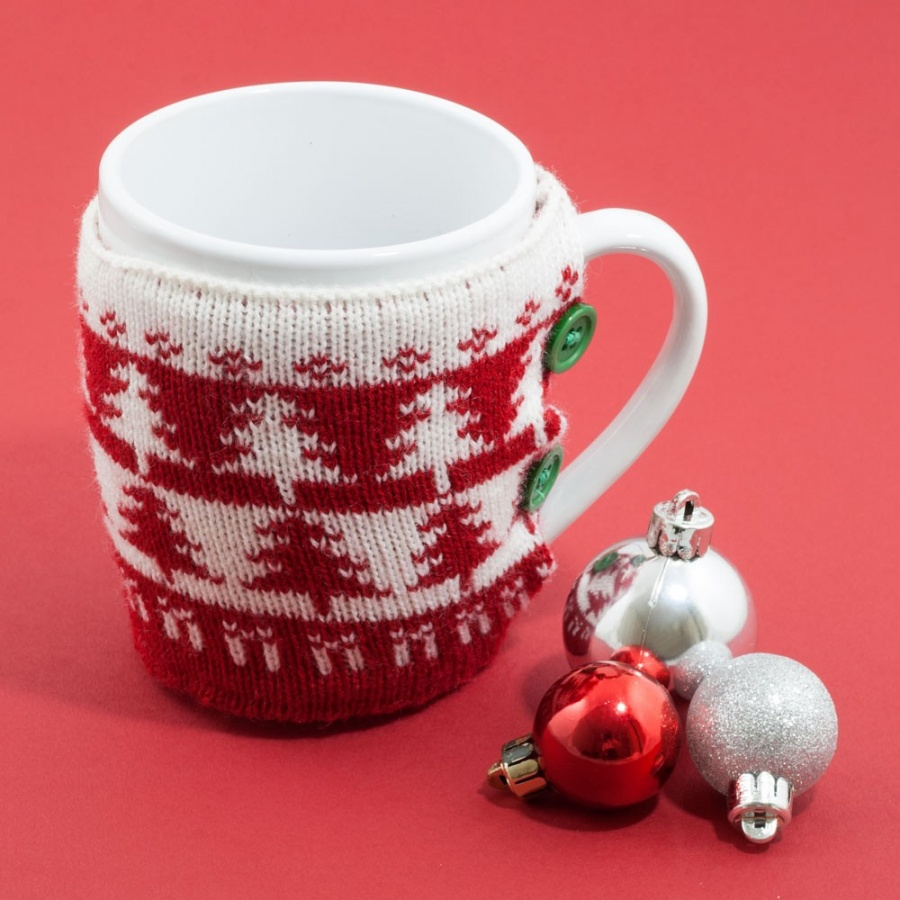 xmas-jumper-mug-red-bg 15 Fascinating & Unusual Christmas Presents