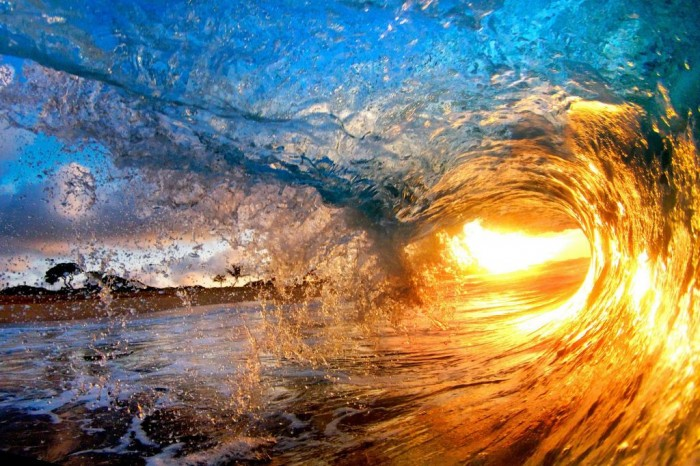 -reuse-fee-applies-Daredevil-photographers-Nick-Selway-and-CJ-Kales-amazing-pictures-of-the-surf-in-Hawaii-862199 70 Stunning & Thrilling Photos for the Biggest Waves Ever Surfed