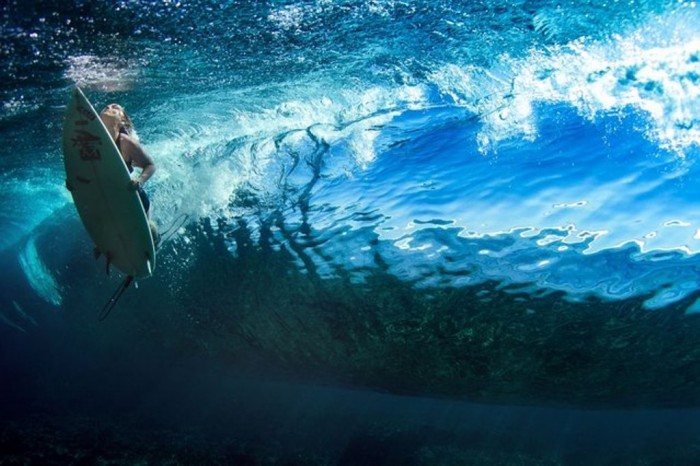 0000e443_medium 70 Stunning & Thrilling Photos for the Biggest Waves Ever Surfed