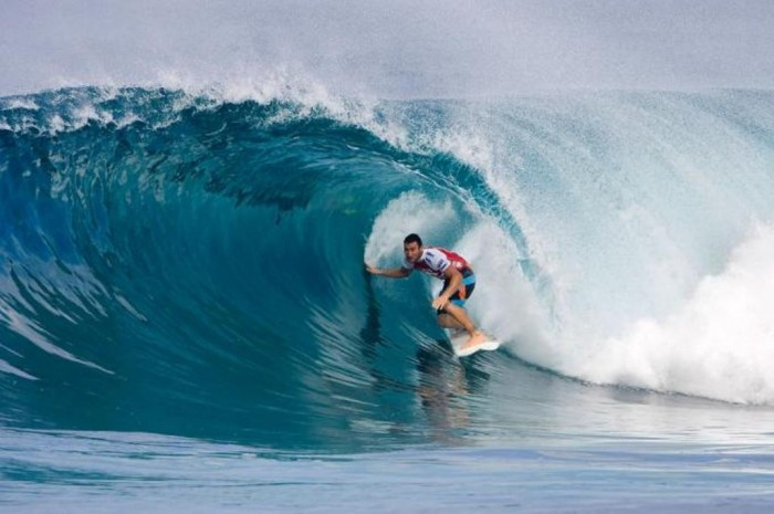 1f23e09c39bbf54fa5d5c1d1f9ca93b6 70 Stunning & Thrilling Photos for the Biggest Waves Ever Surfed