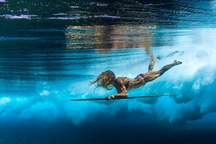 3aff2208-6739-4ff6-a733-a0aa562d040c_8_CATERS_Babes_Beneath_The_Waves_09 70 Stunning & Thrilling Photos for the Biggest Waves Ever Surfed