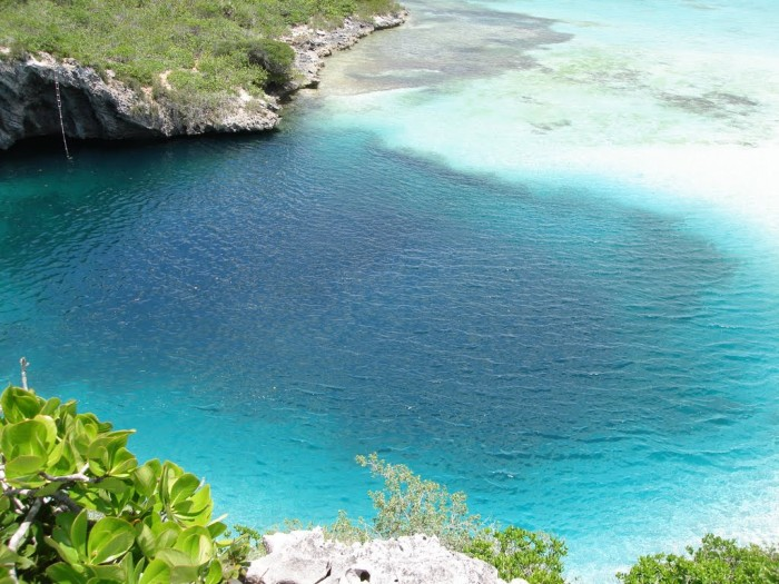 46247191 Weird Blue Holes That Are Magnets for Divers Around the World