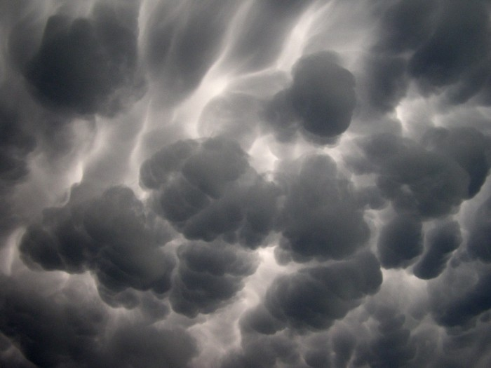 487357814_3dbd46bdb1_o Have You Ever Seen These Stunning Clouds with Mammae?