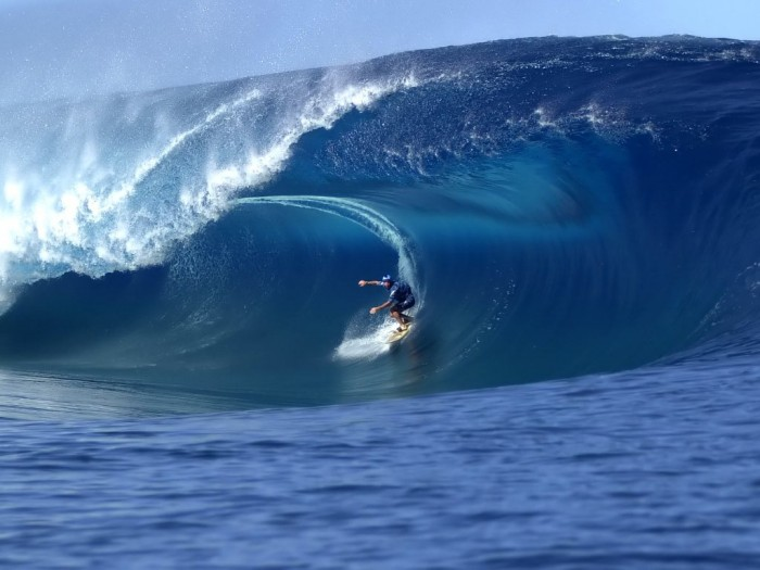 69559 70 Stunning & Thrilling Photos for the Biggest Waves Ever Surfed