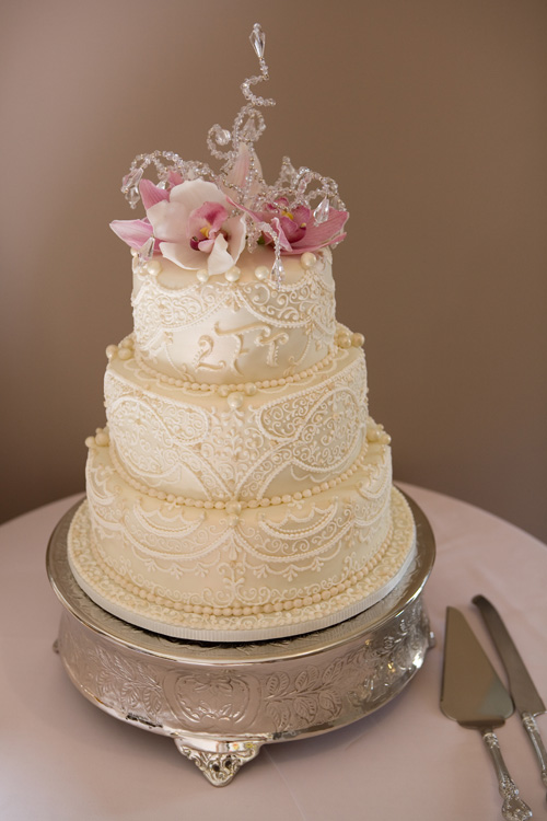 Beautiful-wedding-cakes-2013-2014-8 47+ Creative Wedding Ideas to Look Gorgeous & Catchy on Your Wedding