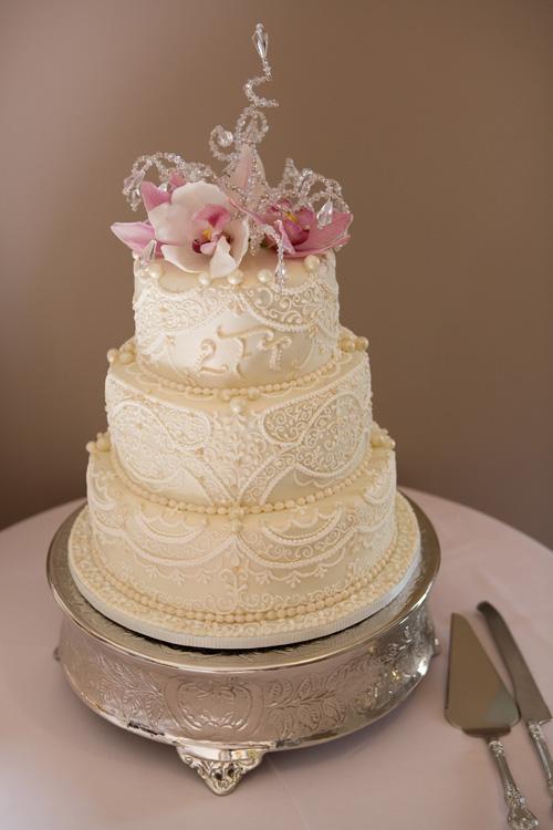 Beautiful-wedding-cakes-2013-2014-8 47+ Creative Wedding Ideas to Look Gorgeous & Catchy on Your Wedding