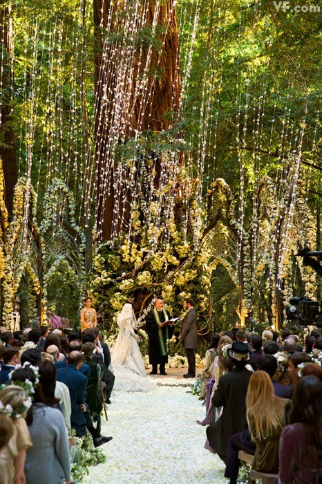Forest-Whimsy2 47+ Creative Wedding Ideas to Look Gorgeous & Catchy on Your Wedding
