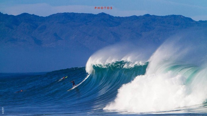 HI 70 Stunning & Thrilling Photos for the Biggest Waves Ever Surfed