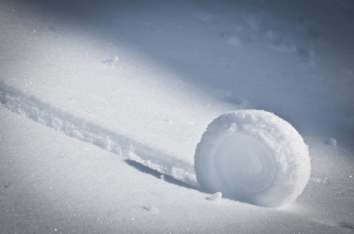Holly-SH-11_0 Stunning Snow Rollers that Are Naturally & Rarely Formed