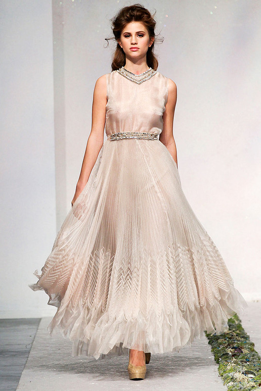 LUISA-BECCARIA-FALL-2012-RTW-PODIUM-038_runway 47+ Creative Wedding Ideas to Look Gorgeous & Catchy on Your Wedding