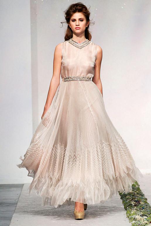 LUISA-BECCARIA-FALL-2012-RTW-PODIUM-038_runway 47+ Creative Wedding Ideas to Look Gorgeous & Catchy on Your Wedding