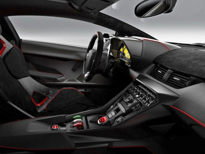 Lamborghini-Veneno-interior_001 Lamborghini Veneno Allows You to Enjoy Driving At a High Speed
