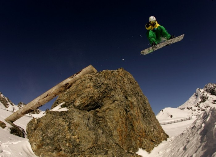 New-Zealand-Snowboarding-Grim-Lab Adventure Travel Tips to Enjoy the Most Exciting Trip in Your Life