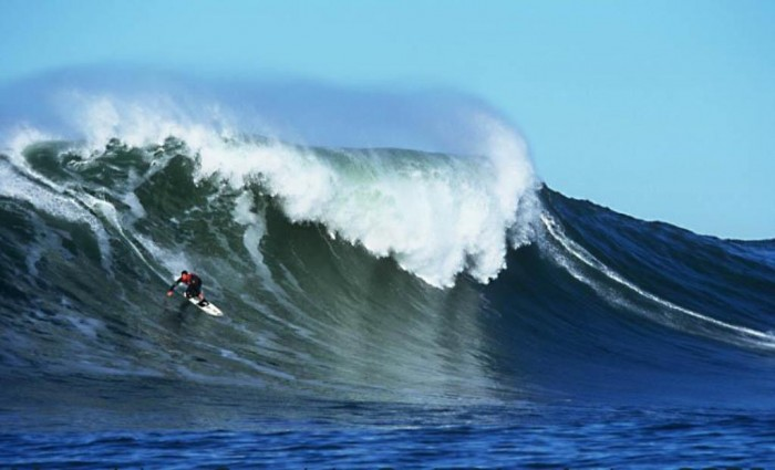 Peter_Mel_at_Mavericks 70 Stunning & Thrilling Photos for the Biggest Waves Ever Surfed