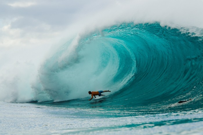 SRFP-120400-HAWAII-105 70 Stunning & Thrilling Photos for the Biggest Waves Ever Surfed