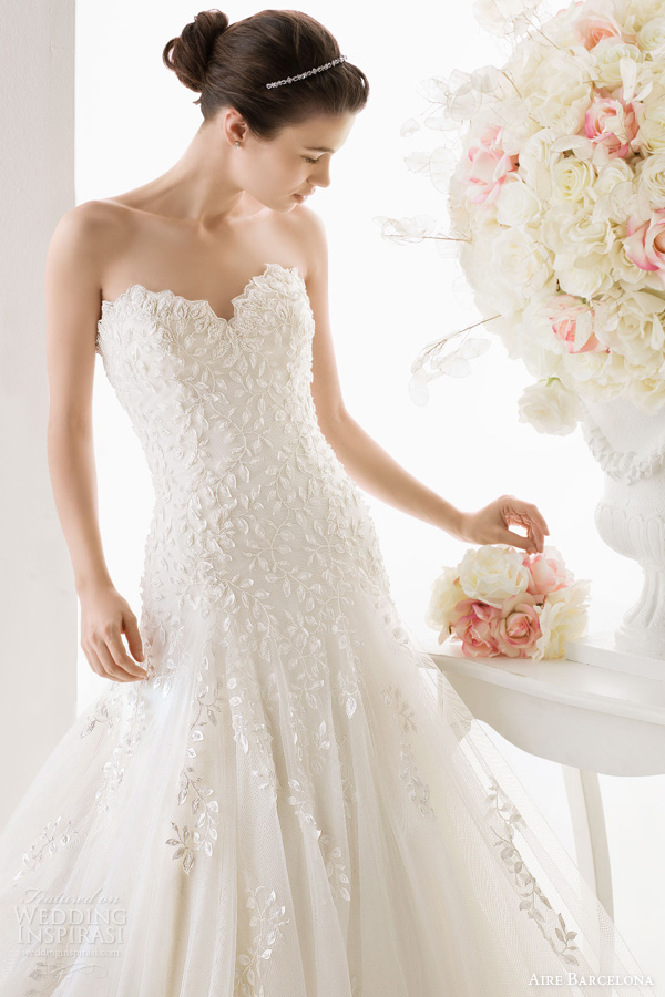 aire-barcelona-2014-bridal-odisea-strapless-wedding-dress 47+ Creative Wedding Ideas to Look Gorgeous & Catchy on Your Wedding