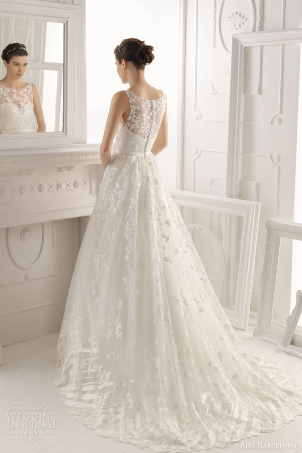 aire-barcelona-2014-bridal-oest-sleeveless-wedding-dress 47+ Creative Wedding Ideas to Look Gorgeous & Catchy on Your Wedding